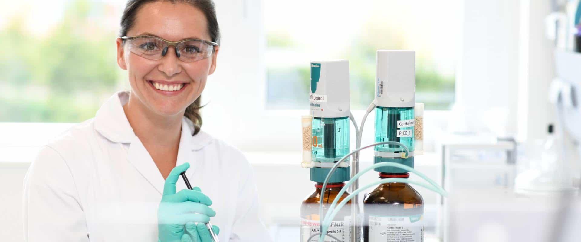 Labor Pharmaproduktion Qualitätskontrolle Mitarbeiter Employer Branding für Excella, Pharma, Webdesign, Recruiting